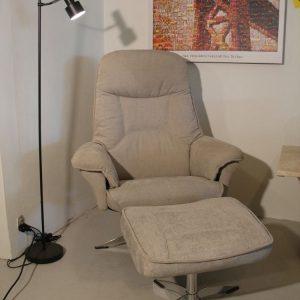 Hjort Knudsen lænestol med skammel